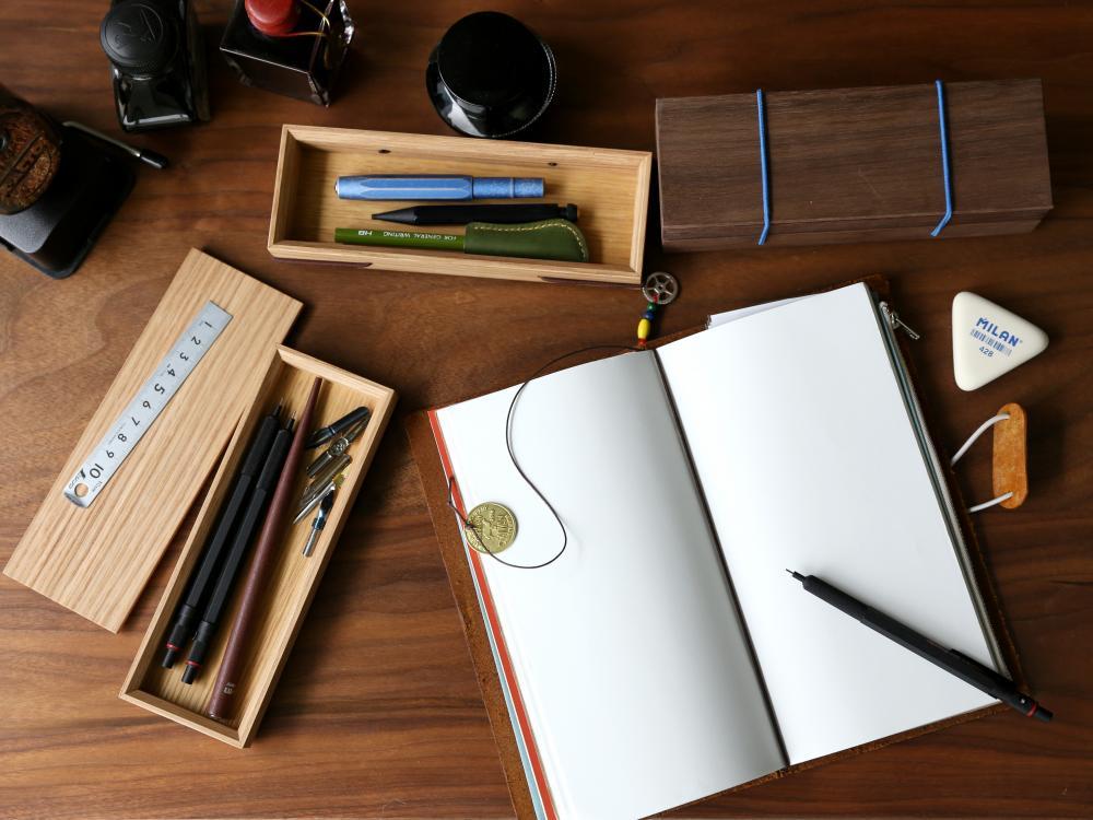 實木鉛筆盒書寫情境